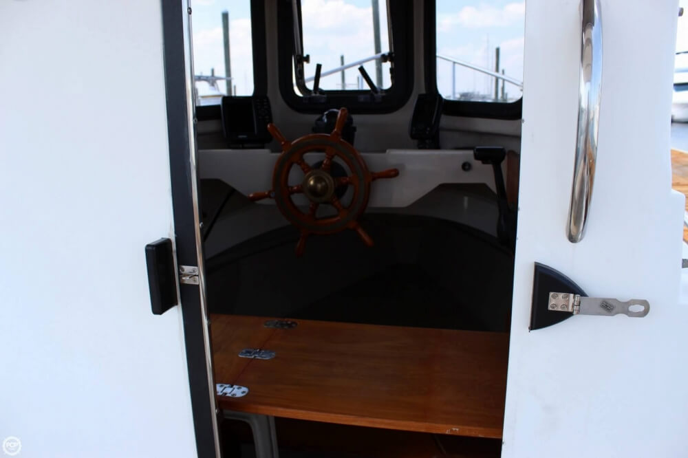 2004 Ranger Tugs boat for sale, model of the boat is 21 Classic & Image # 13 of 41