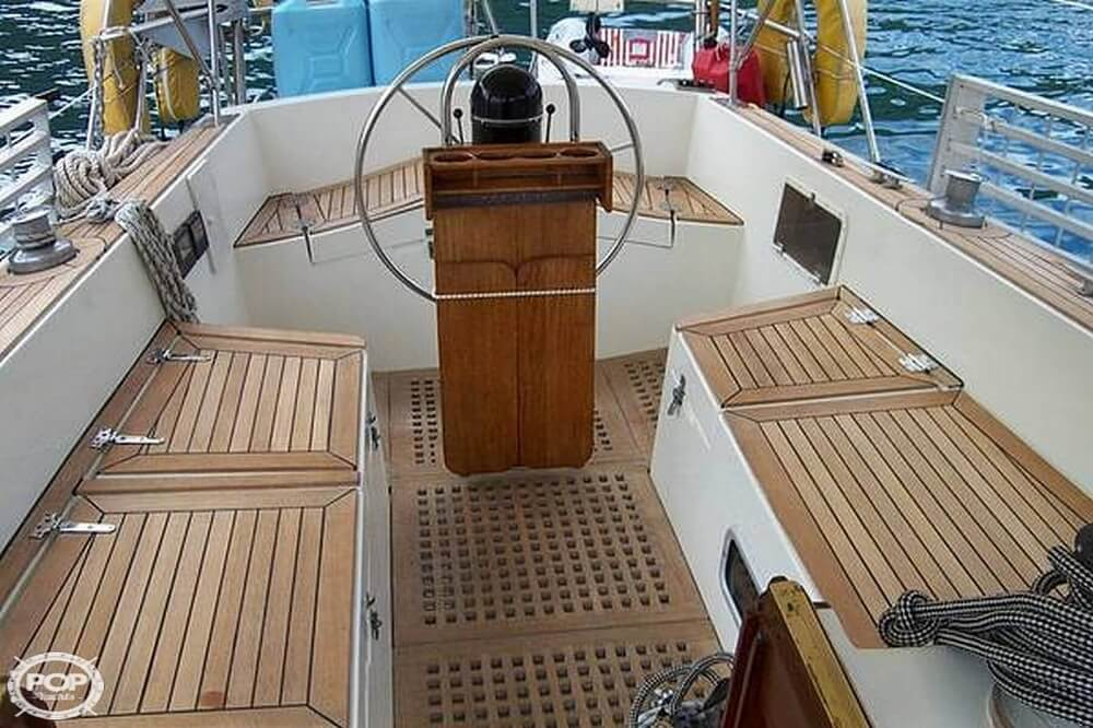 1991 Brewer boat for sale, model of the boat is Dolphin 43 & Image # 5 of 40