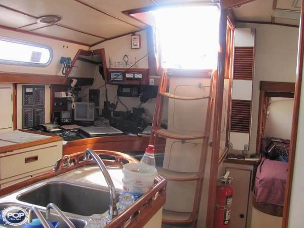 1991 Brewer boat for sale, model of the boat is Dolphin 43 & Image # 7 of 40