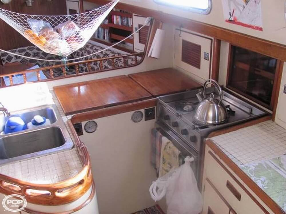 1991 Brewer boat for sale, model of the boat is Dolphin 43 & Image # 10 of 40