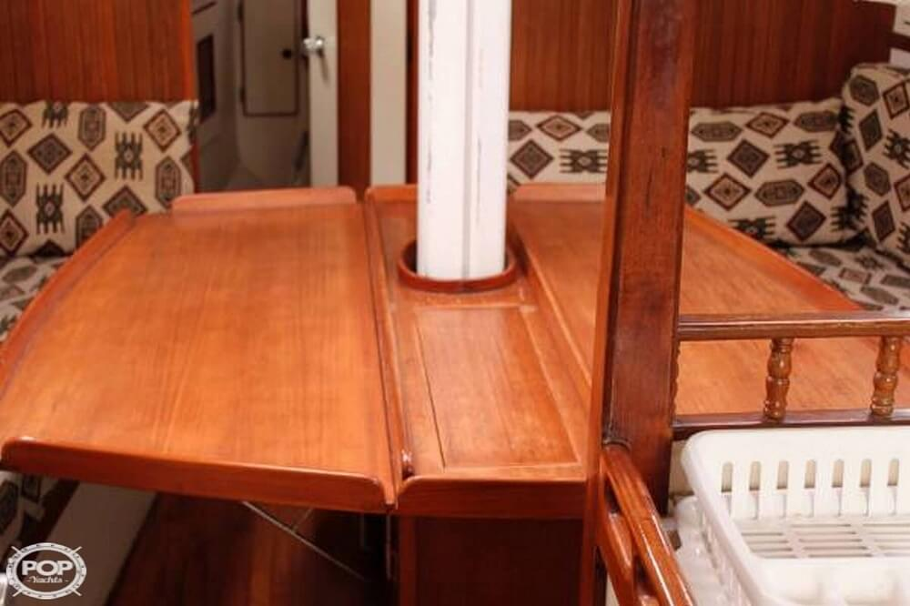 1991 Brewer boat for sale, model of the boat is Dolphin 43 & Image # 12 of 40