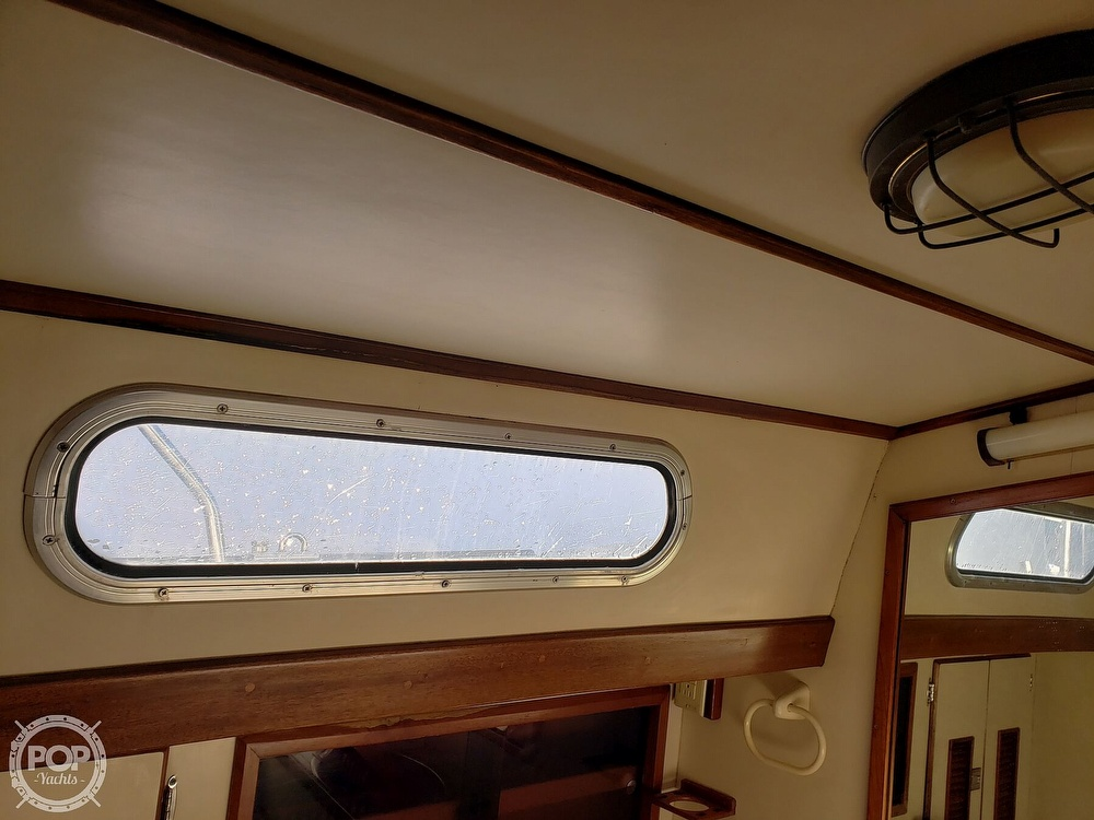 1991 Brewer boat for sale, model of the boat is Dolphin 43 & Image # 28 of 40