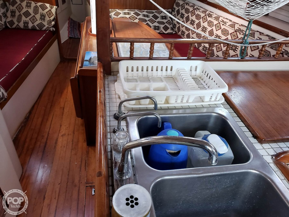 1991 Brewer boat for sale, model of the boat is Dolphin 43 & Image # 35 of 40