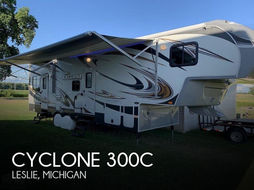 2013 Heartland Cyclone 300C