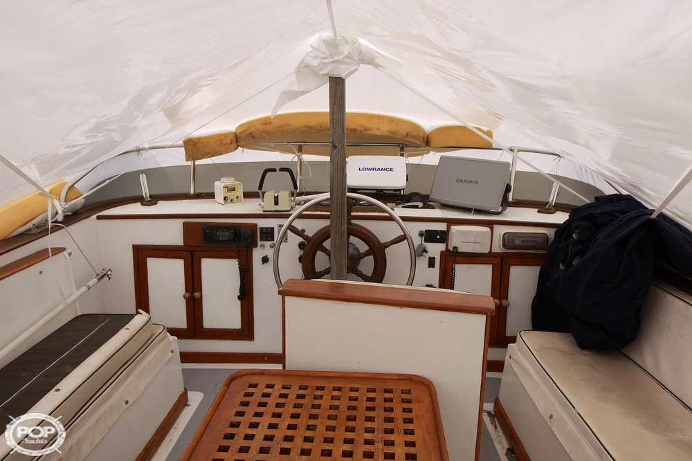 1982 Yehasso boat for sale, model of the boat is Adams 42 & Image # 16 of 40