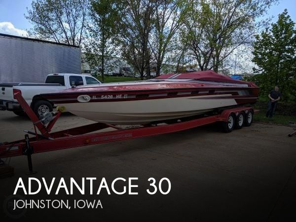 Used Boats For Sale in Des Moines, Iowa by owner | 1990 Advantage 30