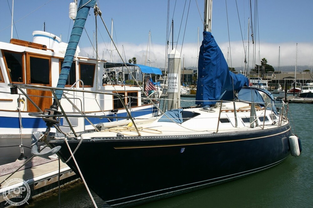 1982 Catalina Yachts boat for sale, model of the boat is 38 & Image # 2 of 40