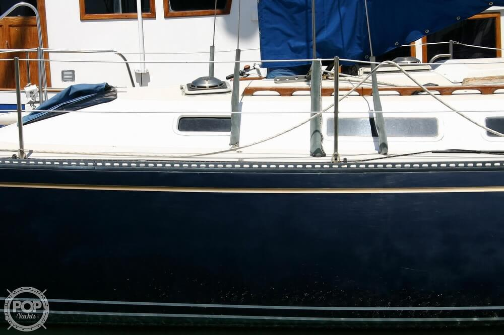 1982 Catalina Yachts boat for sale, model of the boat is 38 & Image # 8 of 40