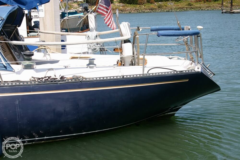 1982 Catalina Yachts boat for sale, model of the boat is 38 & Image # 10 of 40