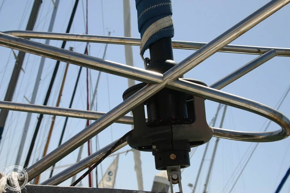 1982 Catalina Yachts boat for sale, model of the boat is 38 & Image # 17 of 40