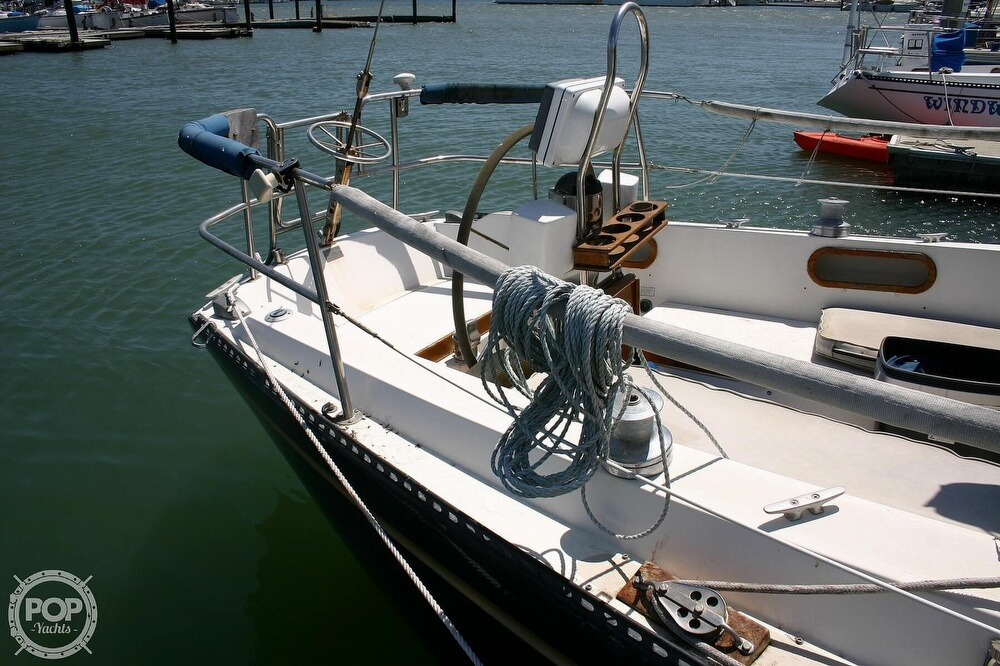1982 Catalina Yachts boat for sale, model of the boat is 38 & Image # 21 of 40