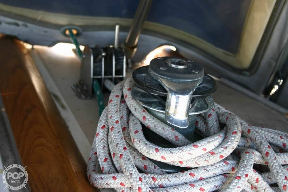 1982 Catalina Yachts boat for sale, model of the boat is 38 & Image # 30 of 40