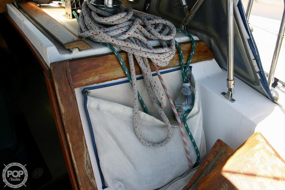 1982 Catalina Yachts boat for sale, model of the boat is 38 & Image # 34 of 40