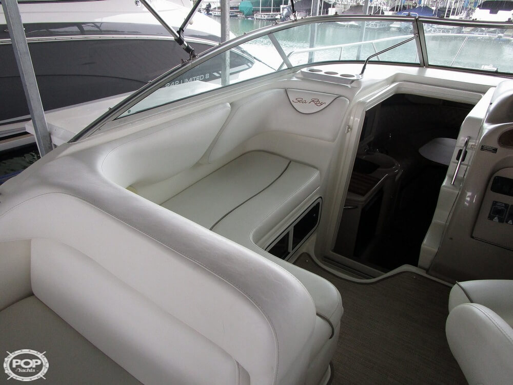 1999 Sea Ray boat for sale, model of the boat is 260 Sundancer & Image # 23 of 41