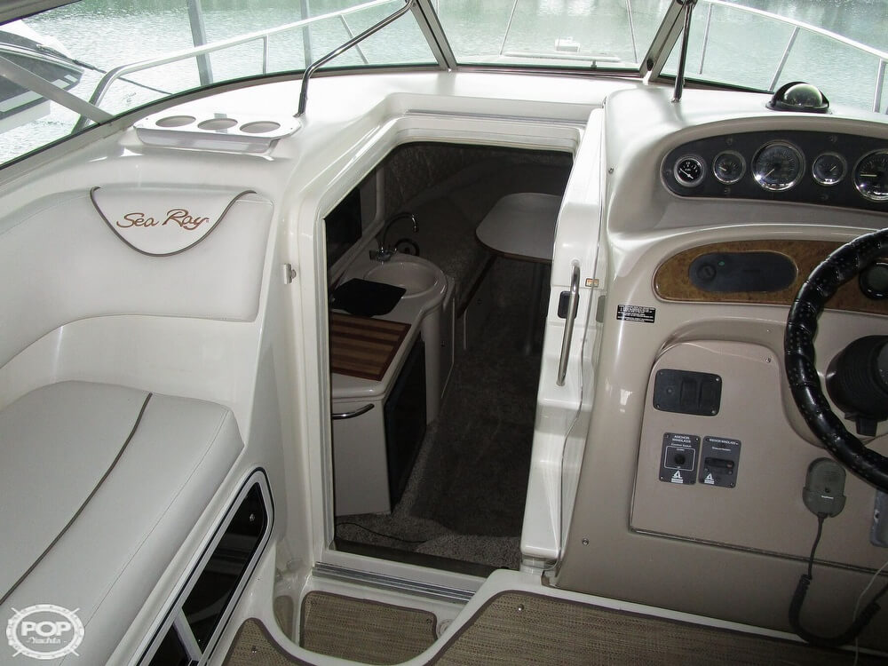 1999 Sea Ray boat for sale, model of the boat is 260 Sundancer & Image # 30 of 41