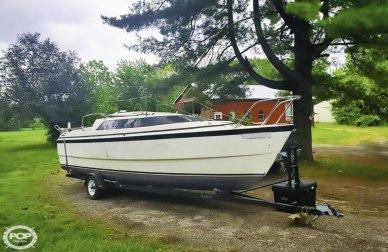MacGregor 26X, 25', for sale - $10,000