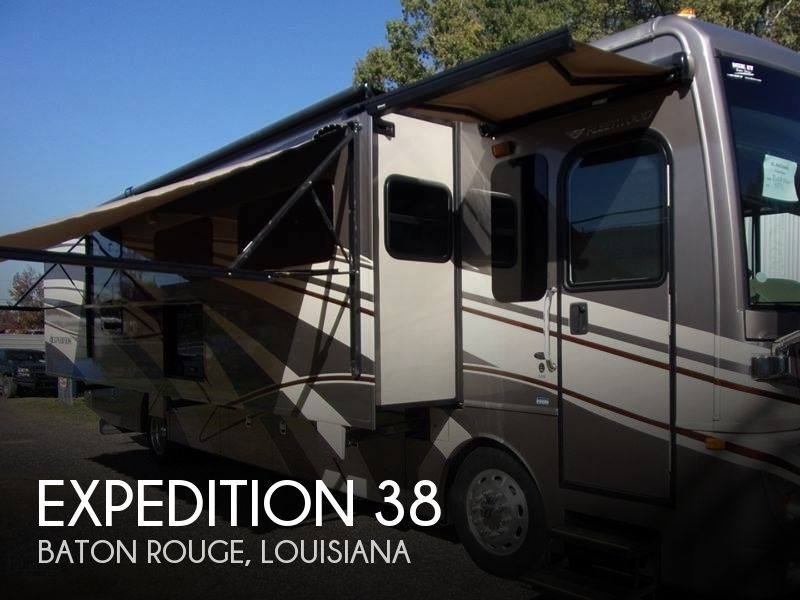 2015 Fleetwood Expedition 38