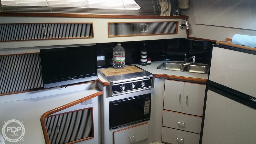 1988 Sea Ray boat for sale, model of the boat is 390 Express & Image # 20 of 41