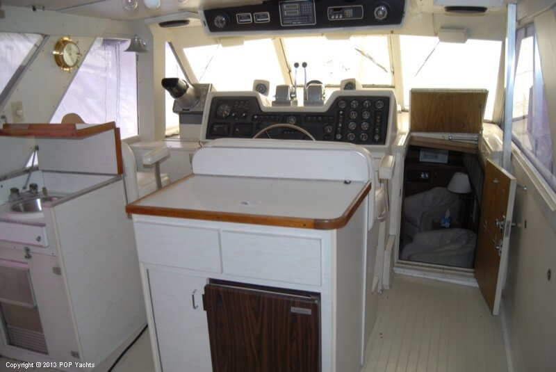 1972 Chris Craft boat for sale, model of the boat is 47 Commander & Image # 5 of 40
