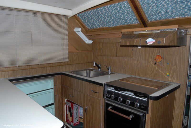 1972 Chris Craft boat for sale, model of the boat is 47 Commander & Image # 20 of 40
