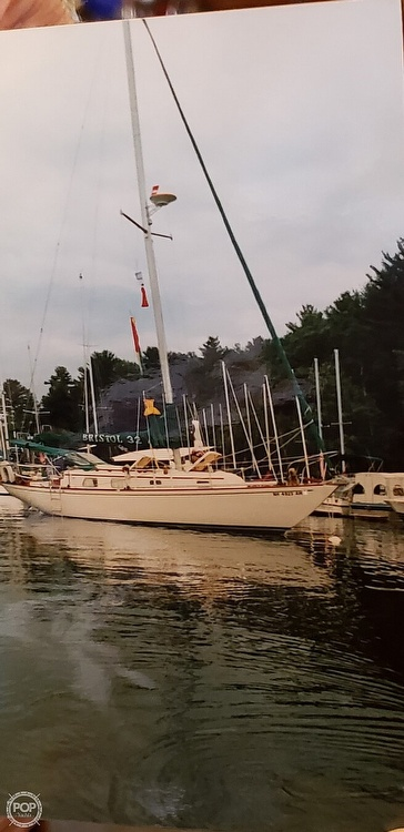 1977 Bristol boat for sale, model of the boat is 32 & Image # 3 of 40