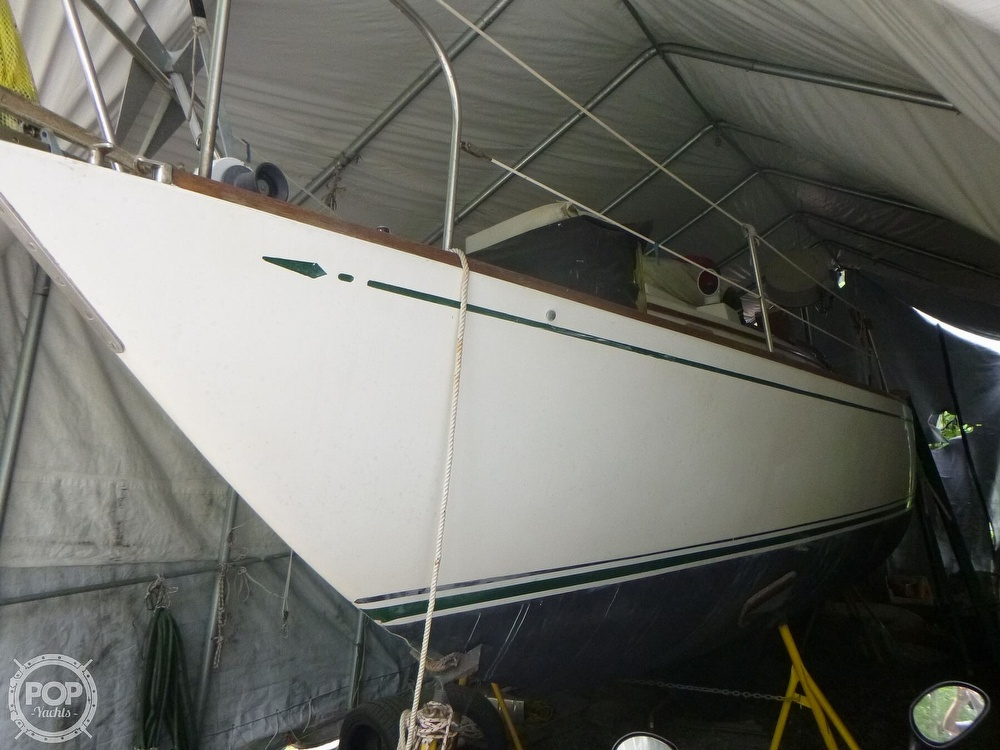 1977 Bristol boat for sale, model of the boat is 32 & Image # 8 of 40