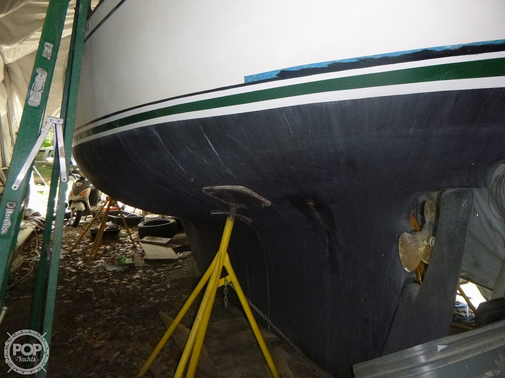 1977 Bristol boat for sale, model of the boat is 32 & Image # 13 of 40
