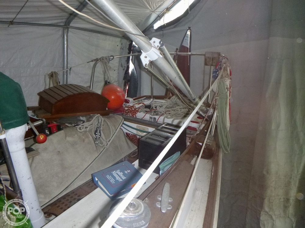 1977 Bristol boat for sale, model of the boat is 32 & Image # 15 of 40