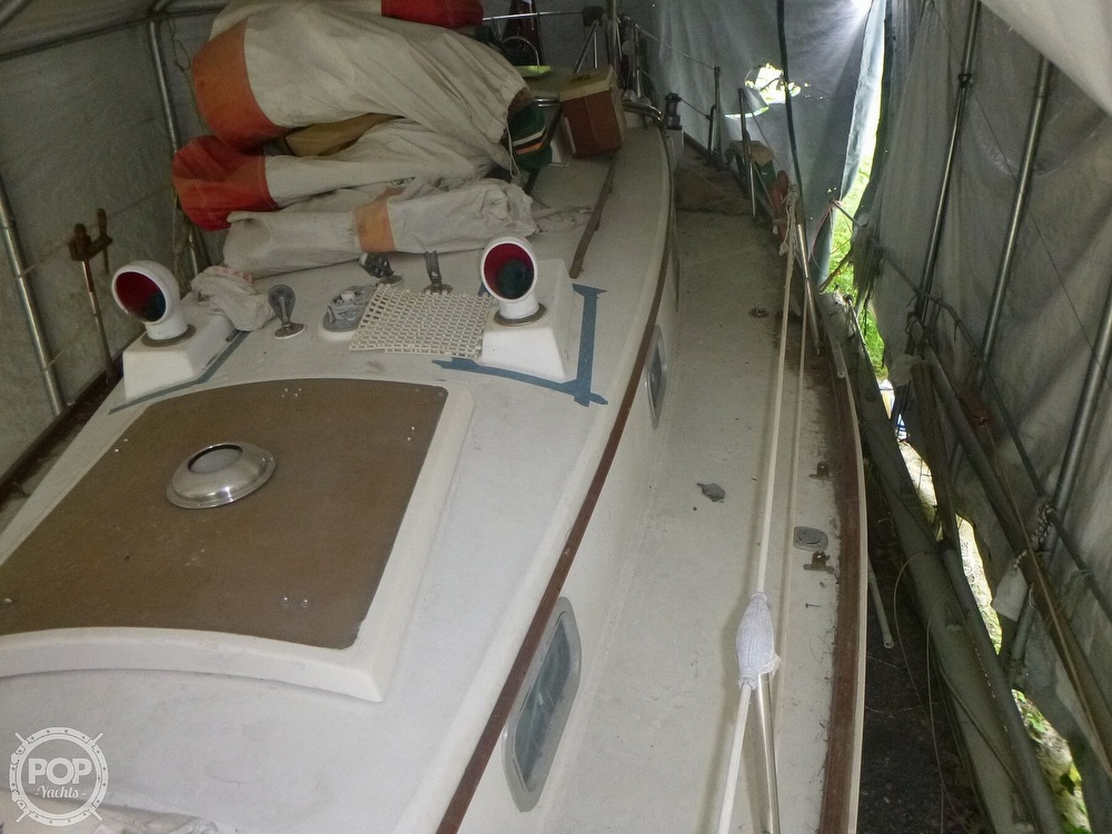 1977 Bristol boat for sale, model of the boat is 32 & Image # 19 of 40