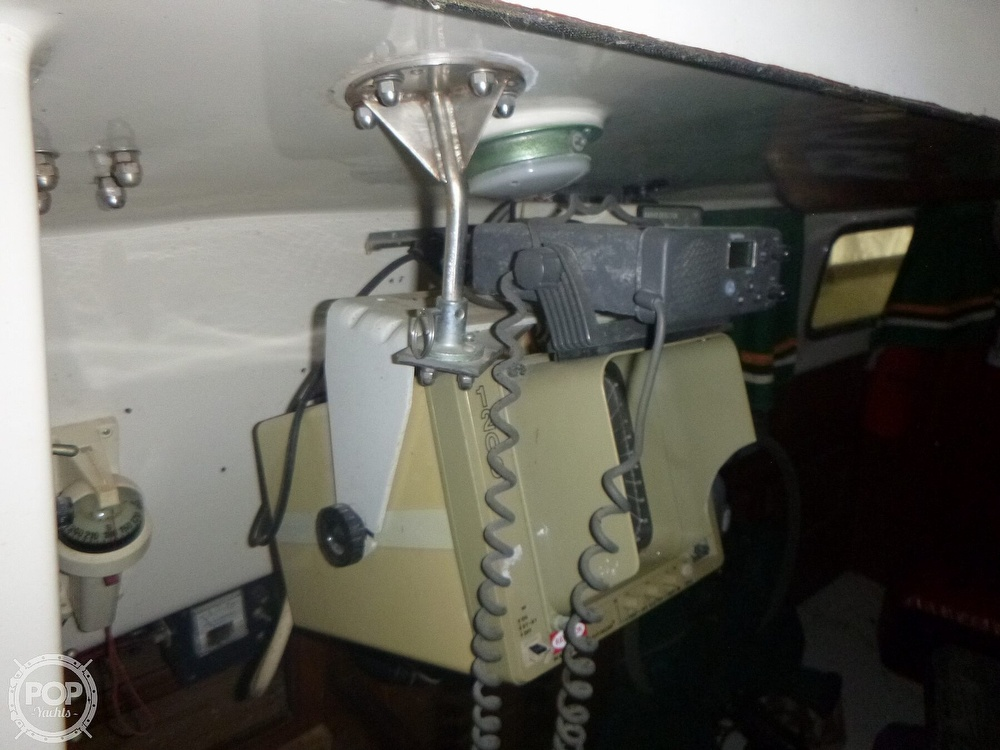 1977 Bristol boat for sale, model of the boat is 32 & Image # 29 of 40