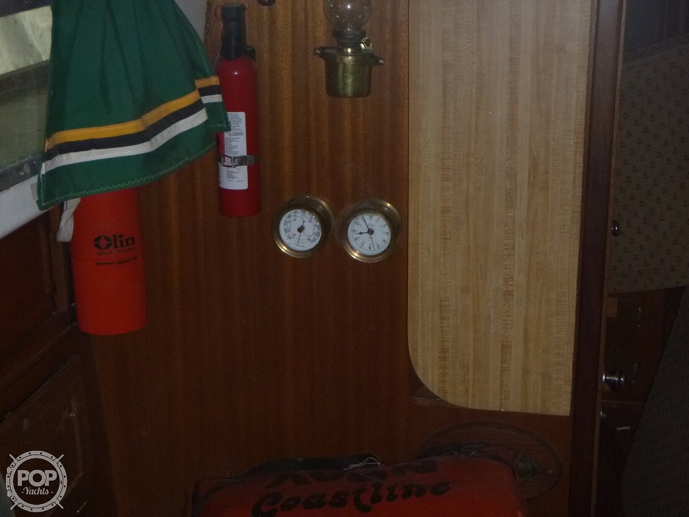1977 Bristol boat for sale, model of the boat is 32 & Image # 30 of 40