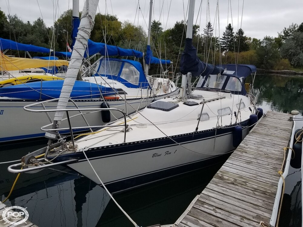 1981 Hughes Columbia boat for sale, model of the boat is 31 & Image # 32 of 41