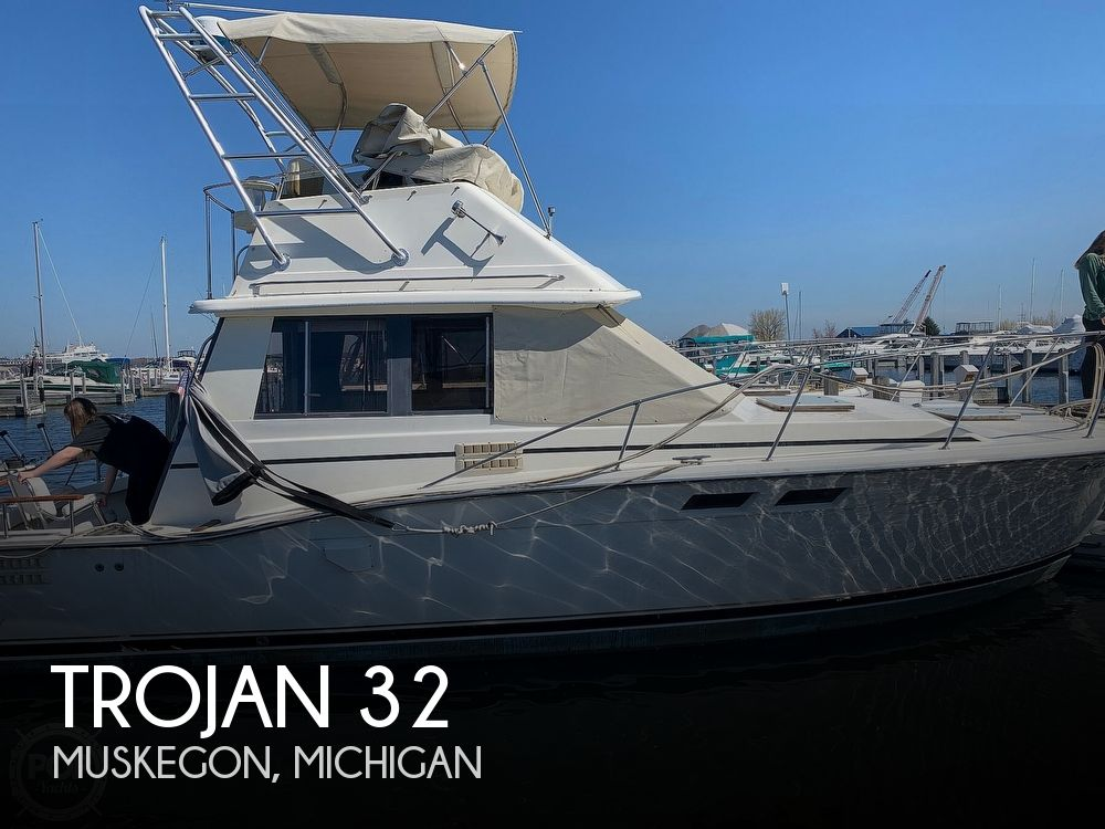 1986 Trojan boat for sale, model of the boat is F-32 Flybridge & Image # 1 of 40