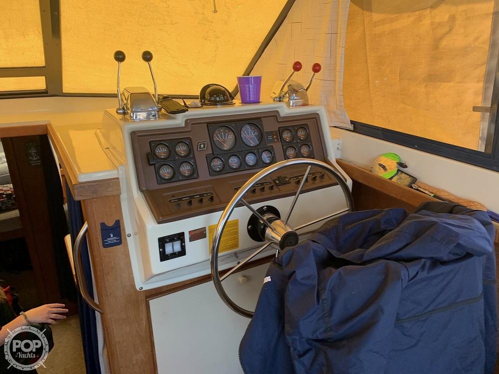 1986 Trojan boat for sale, model of the boat is F-32 Flybridge & Image # 33 of 40