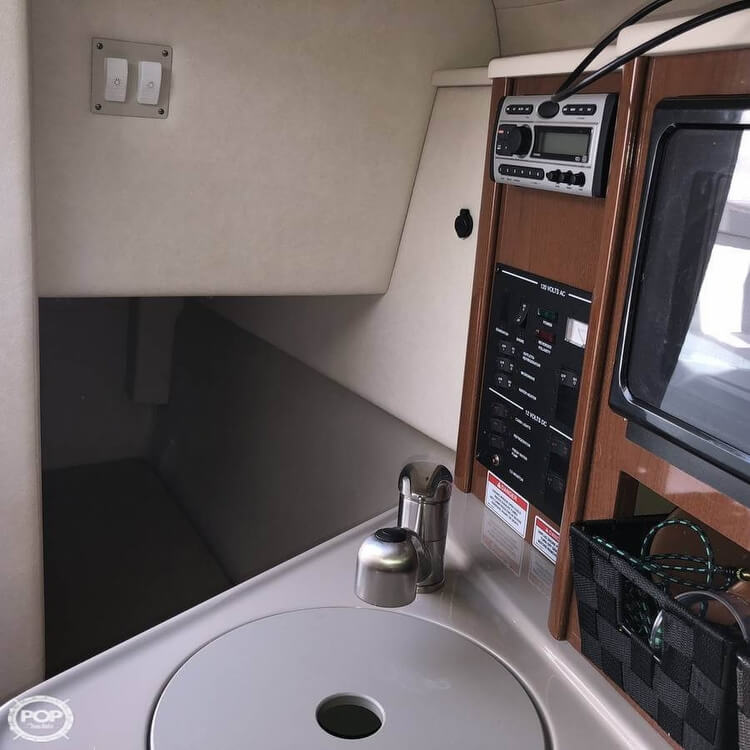 2008 Sea Ray boat for sale, model of the boat is 240 Sundancer & Image # 15 of 20
