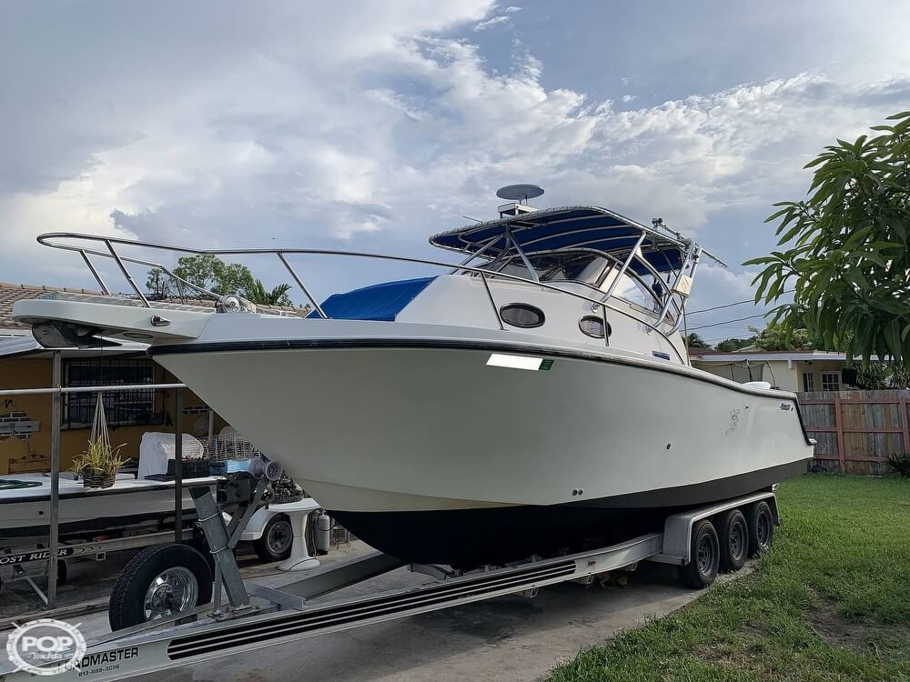 1994 Mako boat for sale, model of the boat is 263 Deluxe Walkaround & Image # 7 of 40