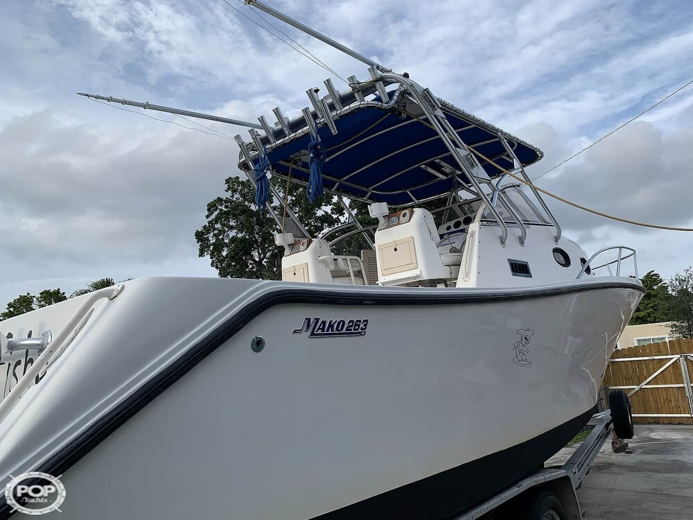 1994 Mako boat for sale, model of the boat is 263 Deluxe Walkaround & Image # 10 of 40