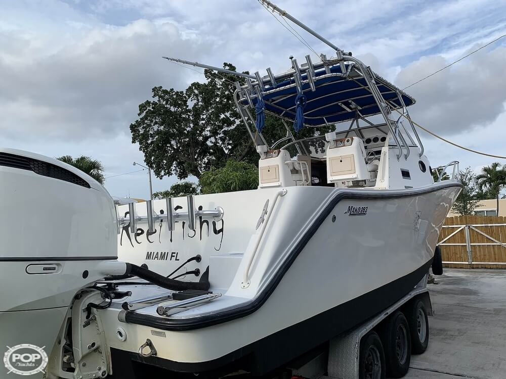 1994 Mako boat for sale, model of the boat is 263 Deluxe Walkaround & Image # 11 of 40
