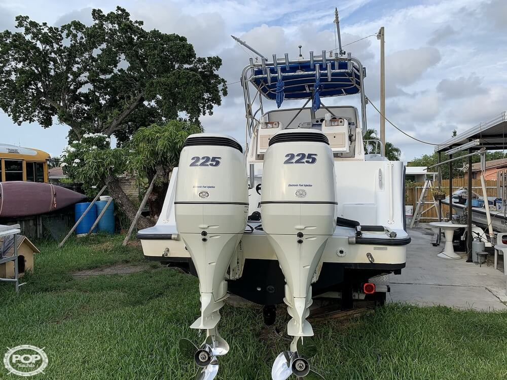 1994 Mako boat for sale, model of the boat is 263 Deluxe Walkaround & Image # 12 of 40