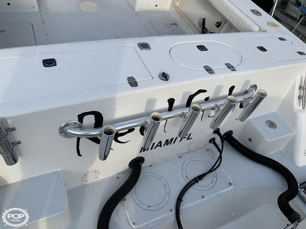 1994 Mako boat for sale, model of the boat is 263 Deluxe Walkaround & Image # 27 of 40
