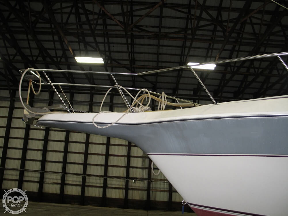 1986 Cruisers Yachts boat for sale, model of the boat is Chateau Vee 338 & Image # 7 of 40