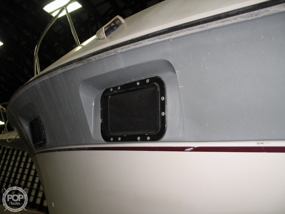 1986 Cruisers Yachts boat for sale, model of the boat is Chateau Vee 338 & Image # 19 of 40