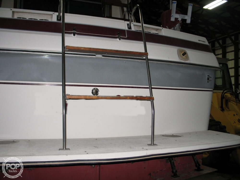 1986 Cruisers Yachts boat for sale, model of the boat is Chateau Vee 338 & Image # 28 of 40