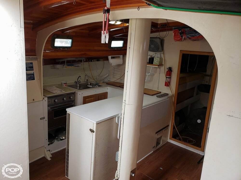2006 Bruce Roberts boat for sale, model of the boat is Spray 40 & Image # 4 of 40
