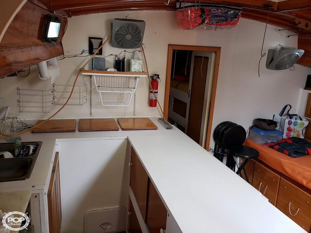 2006 Bruce Roberts boat for sale, model of the boat is Spray 40 & Image # 12 of 40