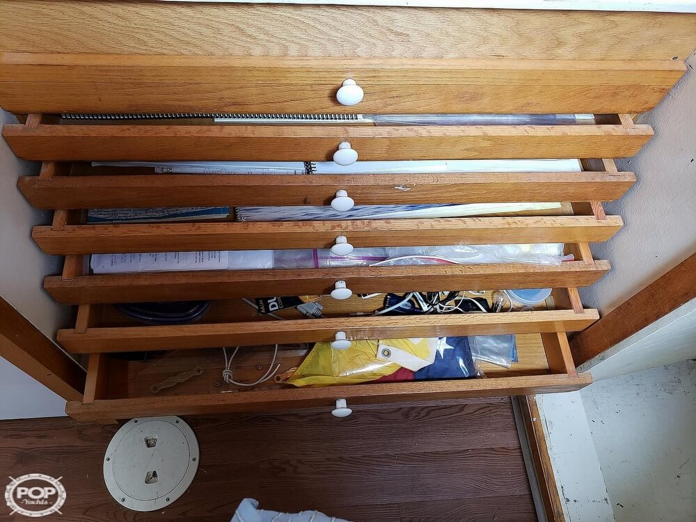 2006 Bruce Roberts boat for sale, model of the boat is Spray 40 & Image # 16 of 40