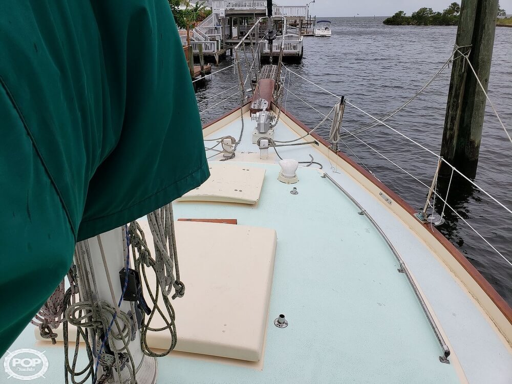 2006 Bruce Roberts boat for sale, model of the boat is Spray 40 & Image # 3 of 40