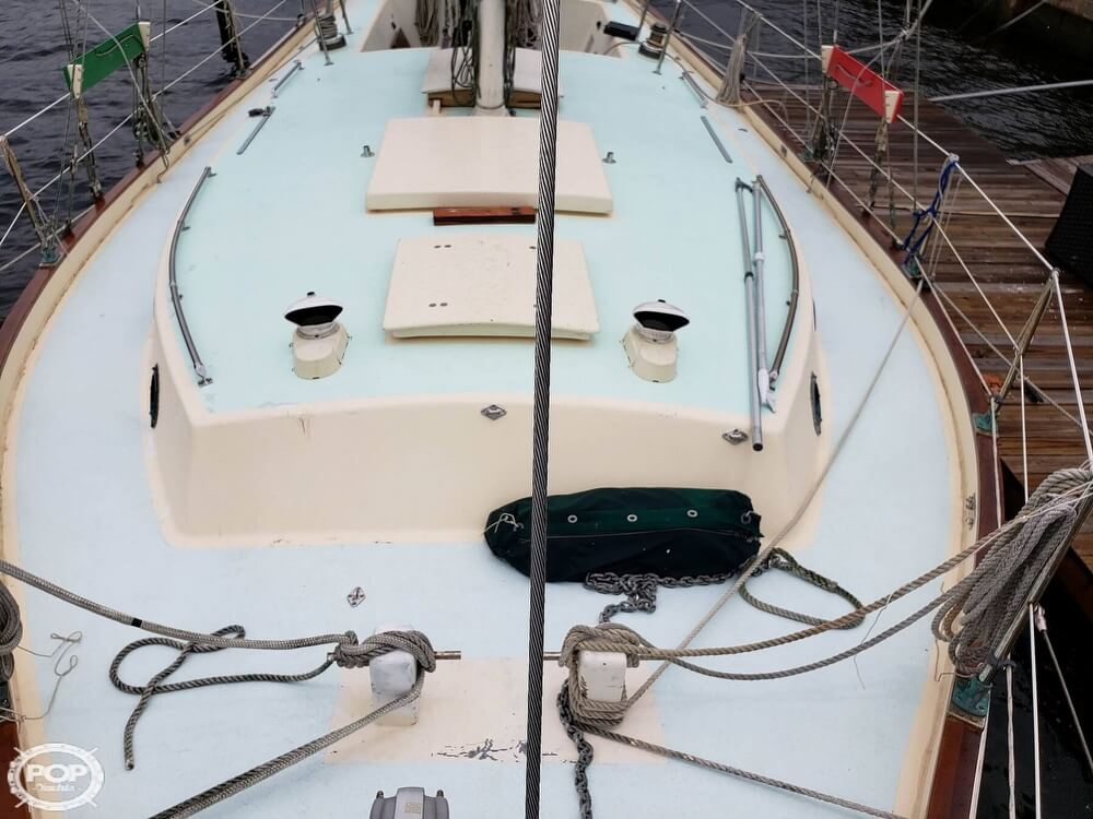 2006 Bruce Roberts boat for sale, model of the boat is Spray 40 & Image # 7 of 40