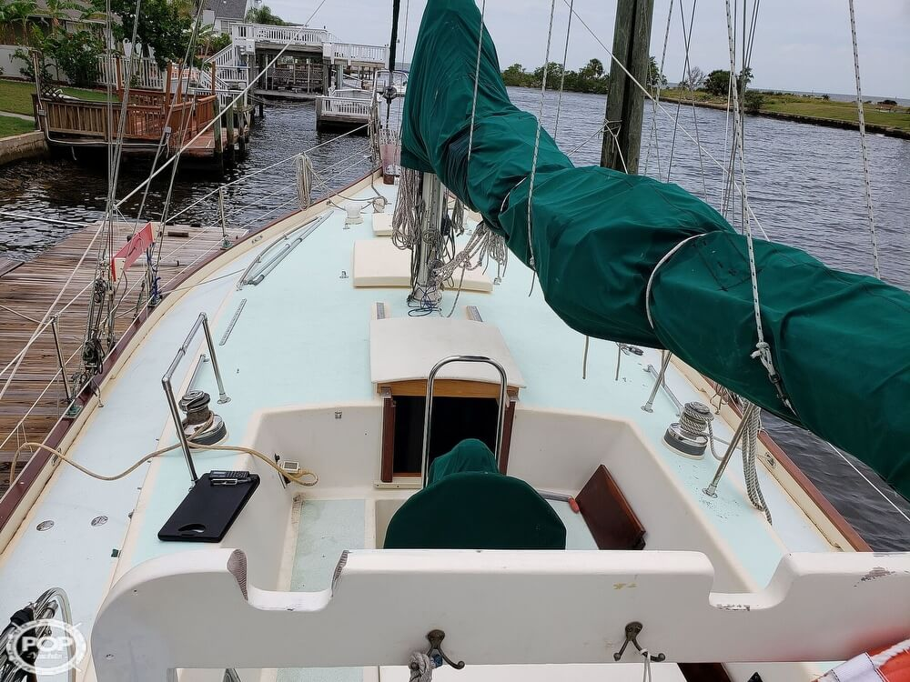 2006 Bruce Roberts boat for sale, model of the boat is Spray 40 & Image # 9 of 40