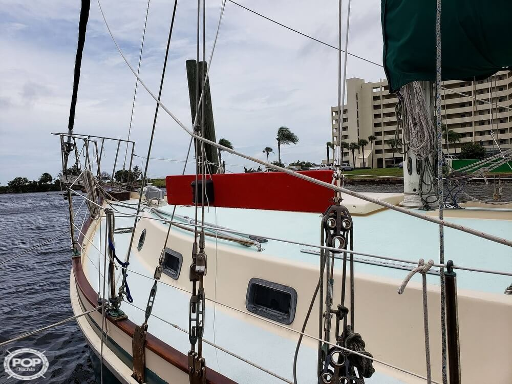 2006 Bruce Roberts boat for sale, model of the boat is Spray 40 & Image # 5 of 40
